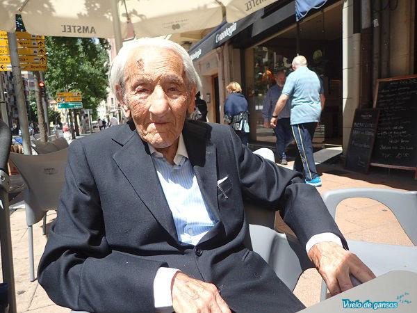 abuelo centenario
