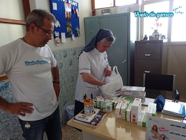 Entrega pomadas donadas